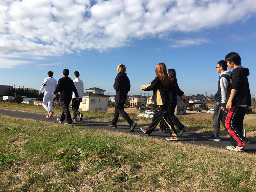 自立支援施設MIRAIの1日 ウォーキング・通学・職業訓練